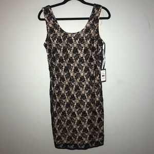 ADRIANNA PAPELL black lace dress